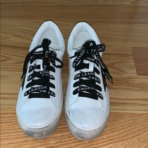 Shoes - White distressed star sneakers